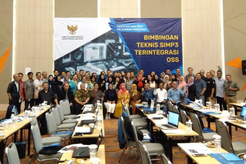 Komisi Penyiaran Indonesia Daerah (KPID) Jawa Barat bersama PRSSNI Jawa Barat menggelar Bimtek OSS bagi pengelola radio siaran di Jawa Barat, di Harris Hotel & Convention Ciumbuleuit, Bandung, Selasa (9/4/2019).